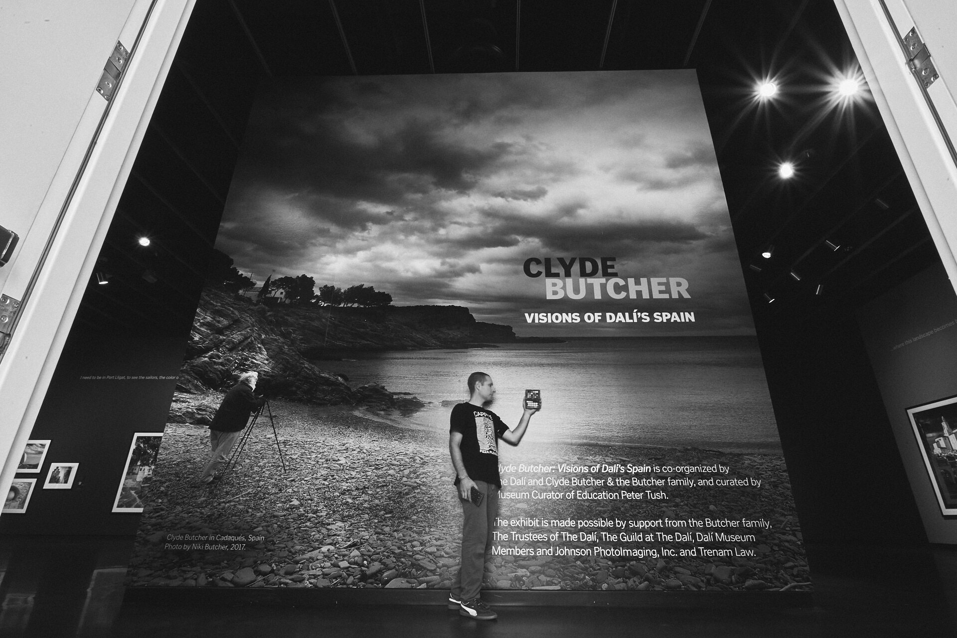 Photographing the Clyde Butcher Exhibit for the DALI archive.