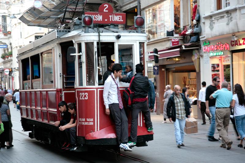 Avenue Istiklal (rue commercante et pietonne de Beyoglu)