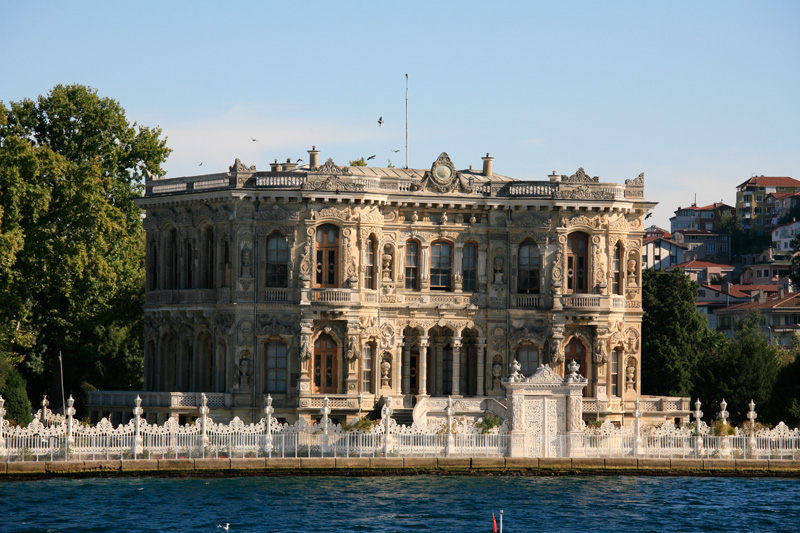 Palais Kucuksu Kasri, le long du Bosphore