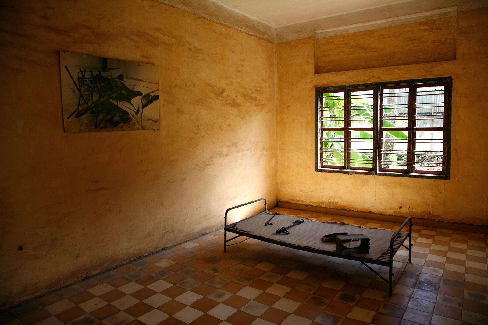 Musée Tuol Sleng, une cellule de torture