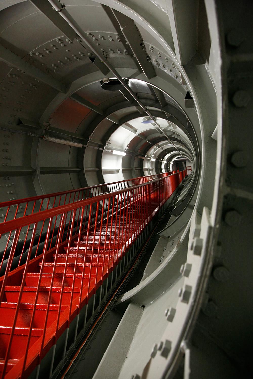 Dans les entrailles de l'Atomium