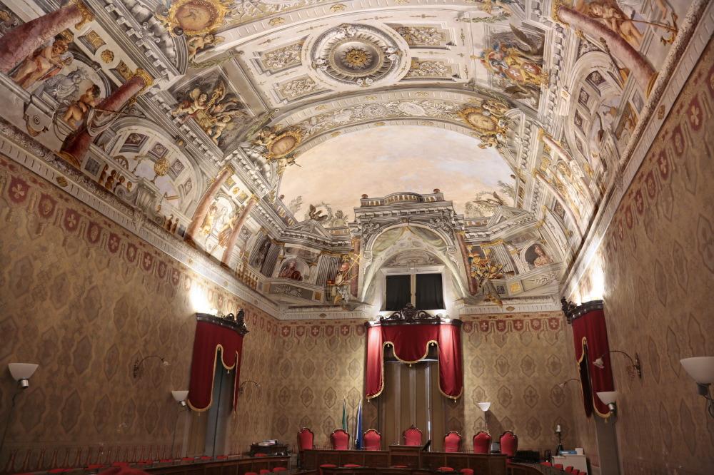 Salle du conseil au Palais des Prieurs, Fermo
