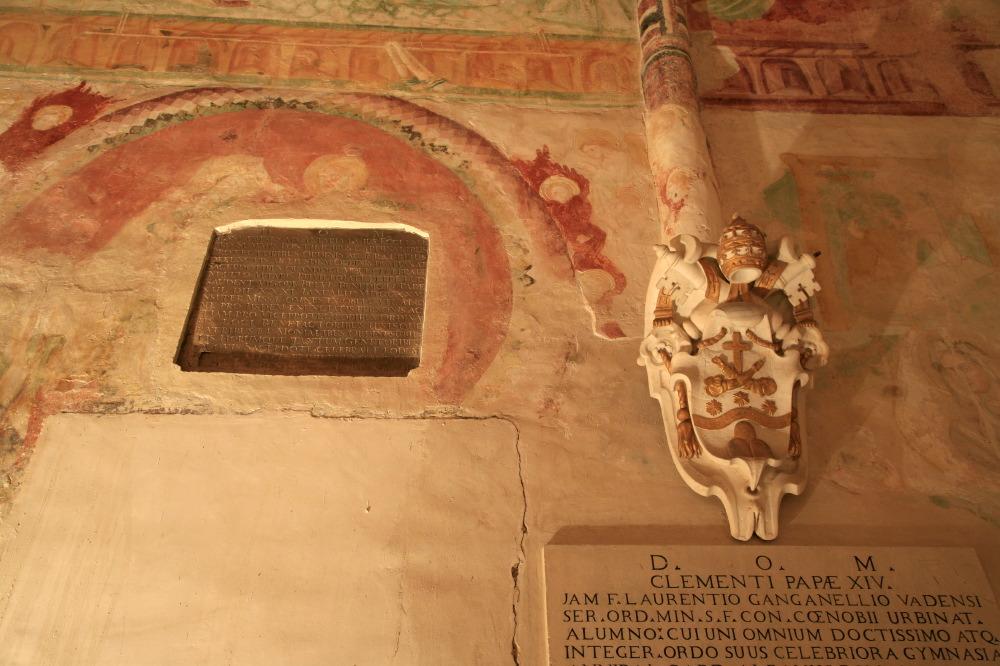 Chapelle (crypte) Farfense (12e-13e s.), Eglise S. Francesco de Montegiorgio