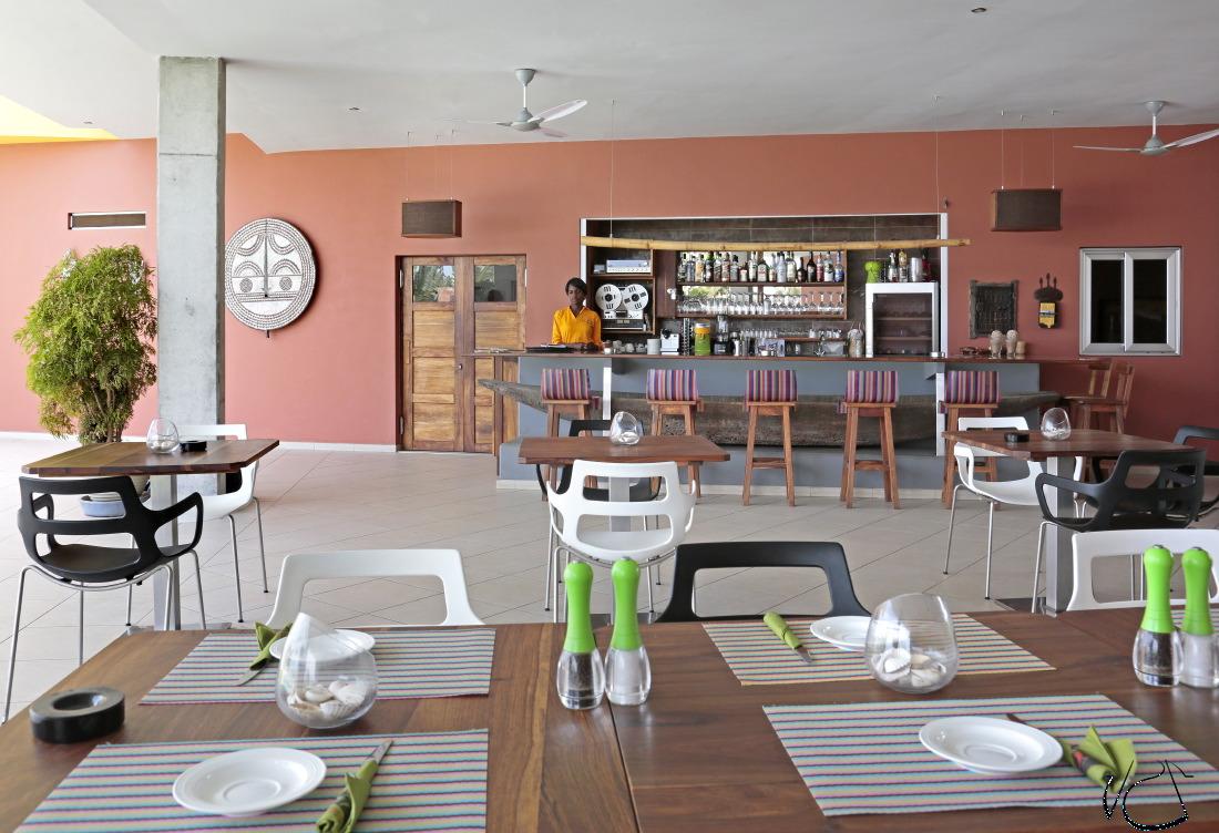 Leo's Beach Hotel & Restaurant