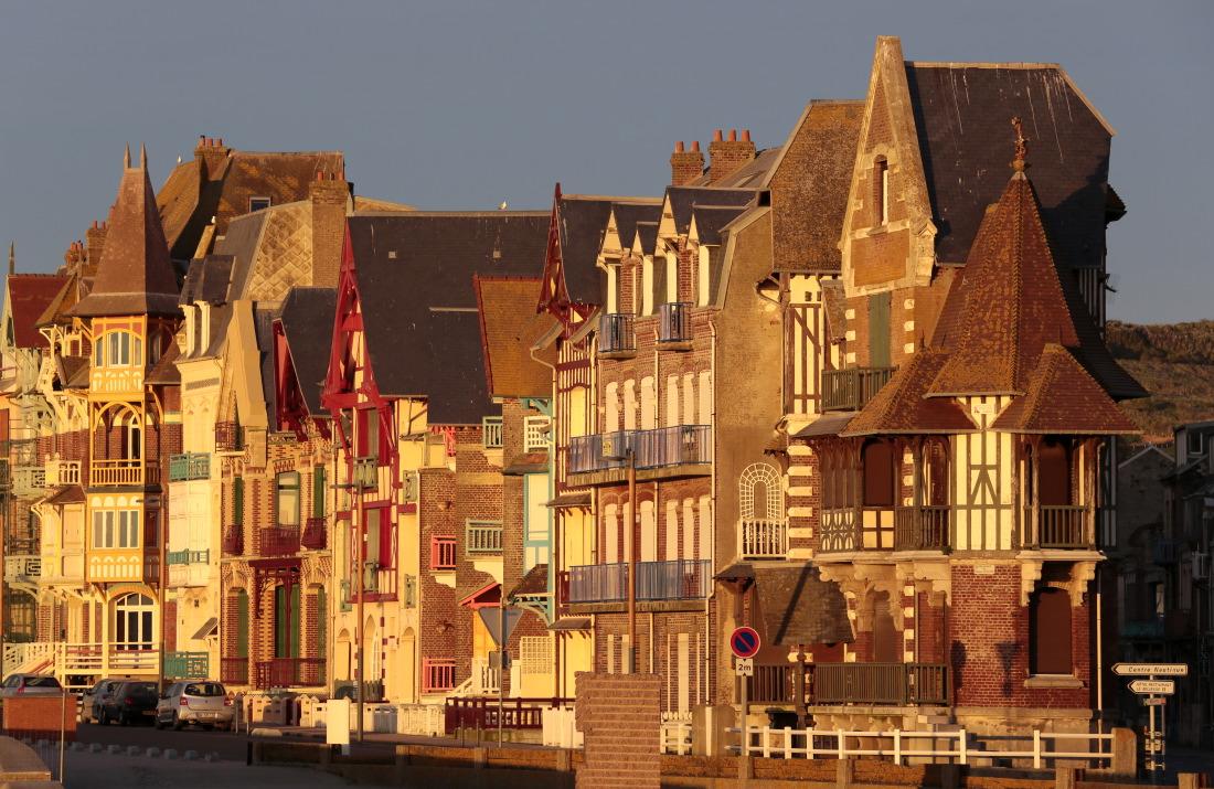 Le sublime front Belle Epoque de Mers-les-Bains