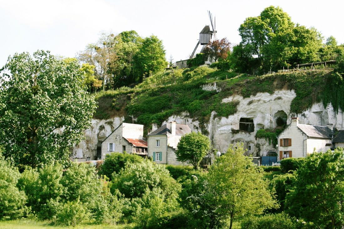 Maisons et troglodytes à Turquant, Val de Loire