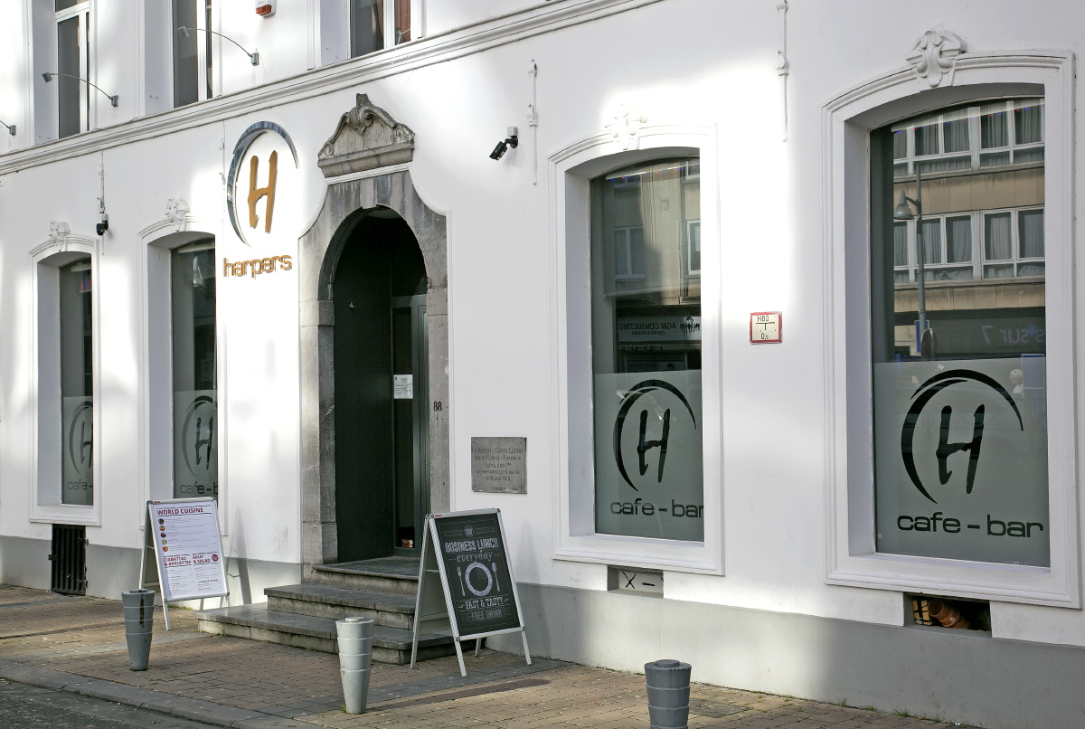 Harpers Bar, la façade