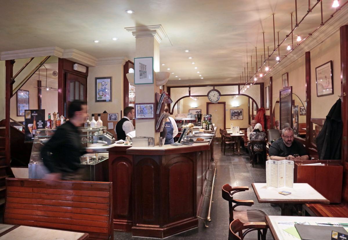 Brasserie Le Bistro, rue Dampremy... Le tartare y est fameux!