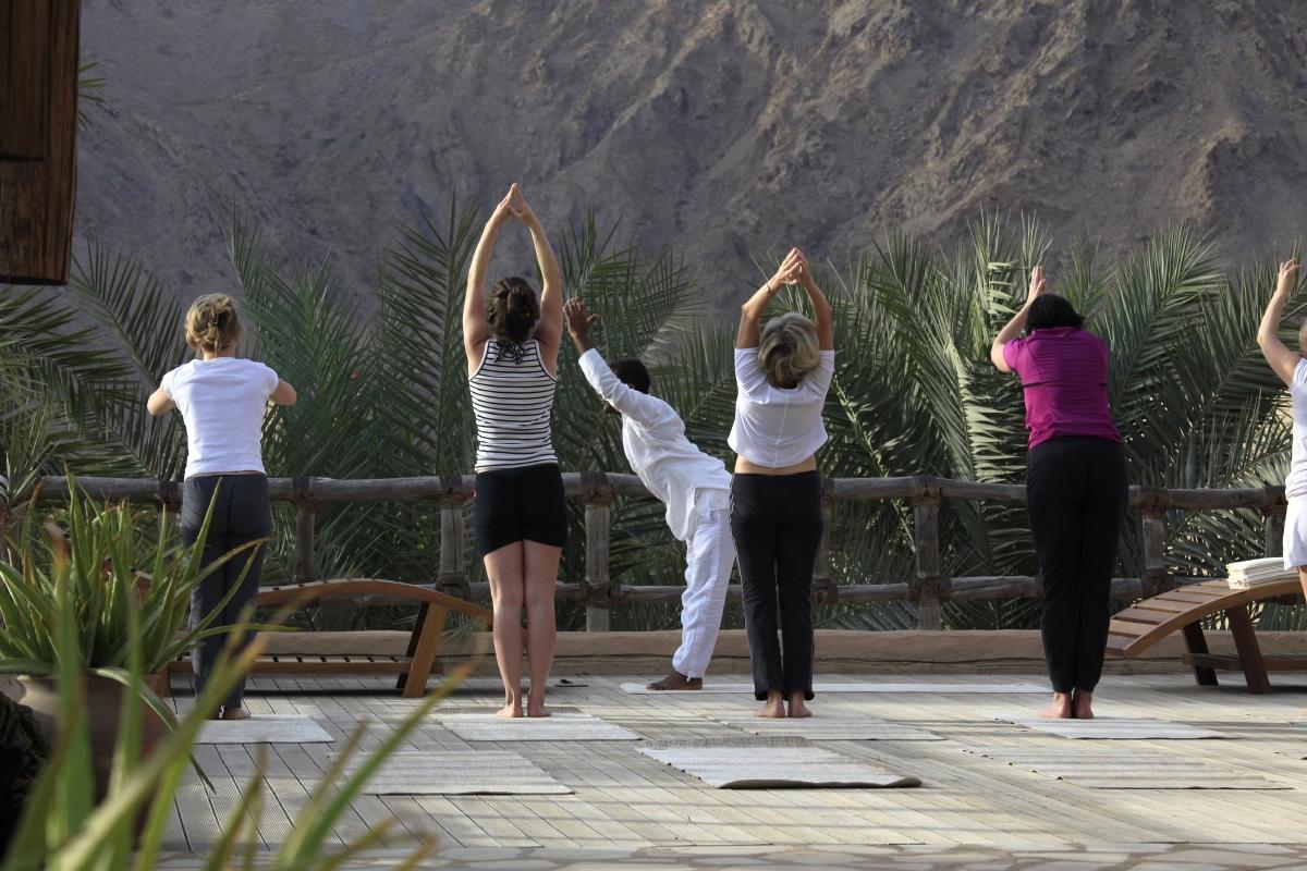 Yoga au lever de soleil au Spa du Six Senses