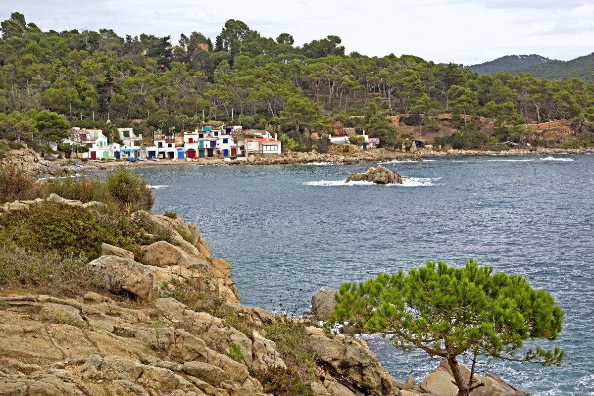 Maisons de pêcheurs dans les criques de la Costa Brava