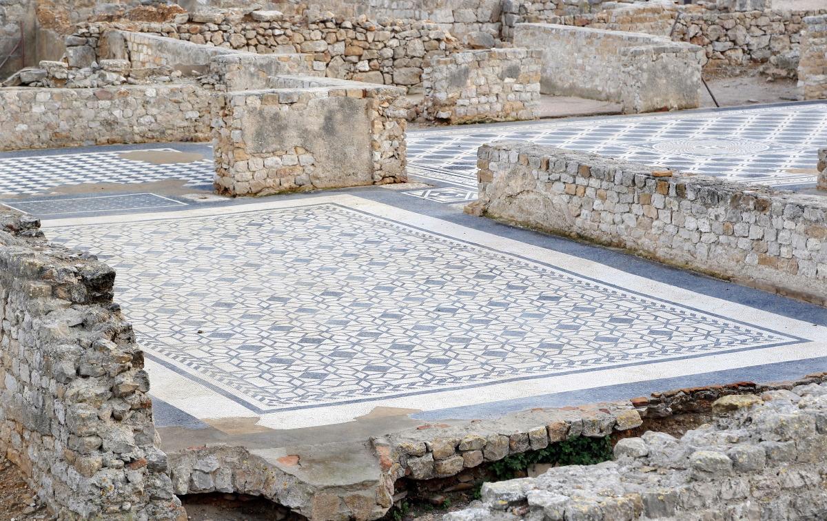 Mosaïques romaines sur le Site d'Ampurias