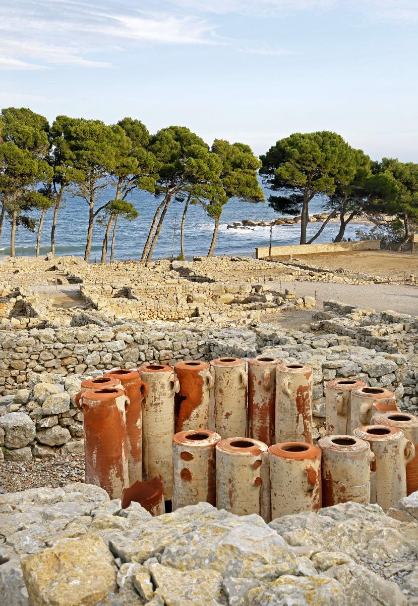 Près de lla mer, la partie grècque des ruines d'Ampurias © JJ SEROL