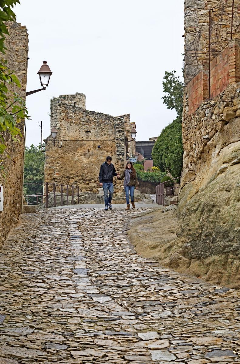 Dans les ruelles de Peratallada