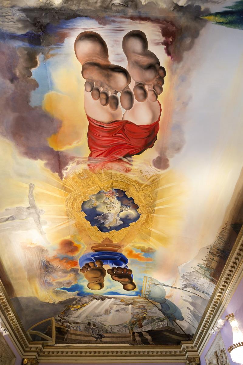 L'un des grands plafonds qui impressionne au Musée de Dali