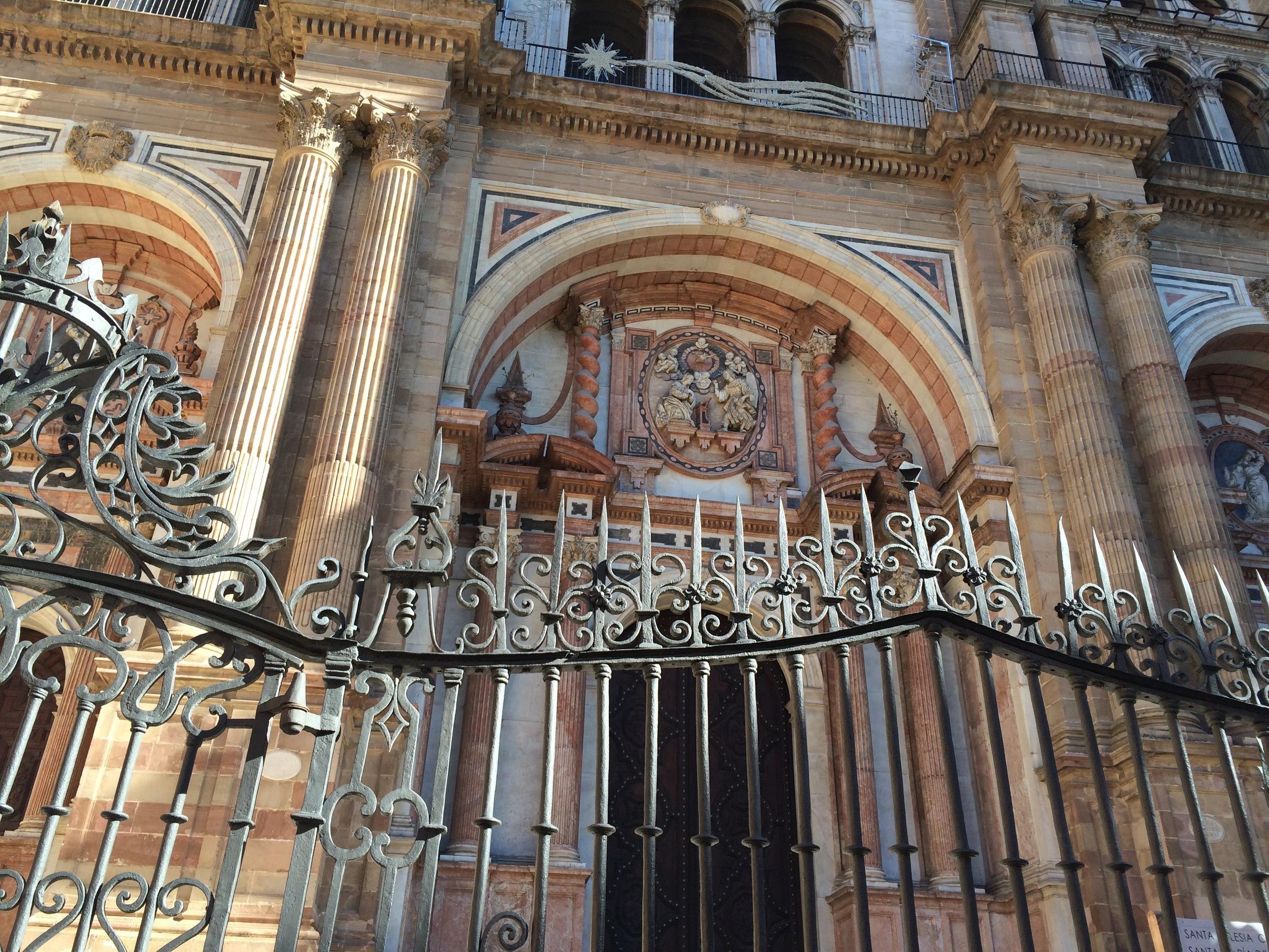 Détail façade de la superbe cathédrale de Malaga