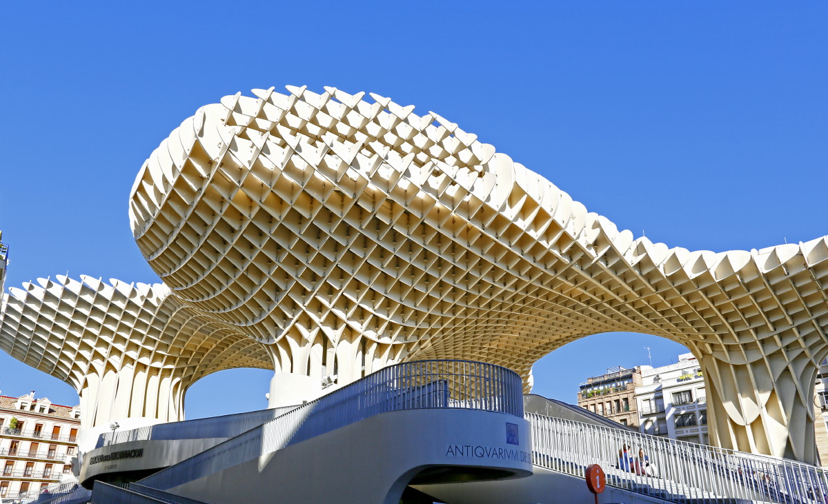 Le Metropol Parasol par l'architecte japonais Shigeru Ban à Séville