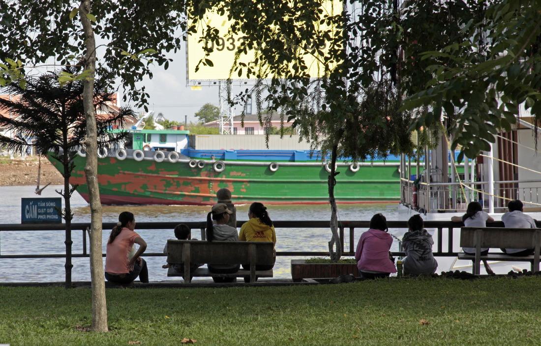 Espace vert et de détente au bord du Mékong, HCMV