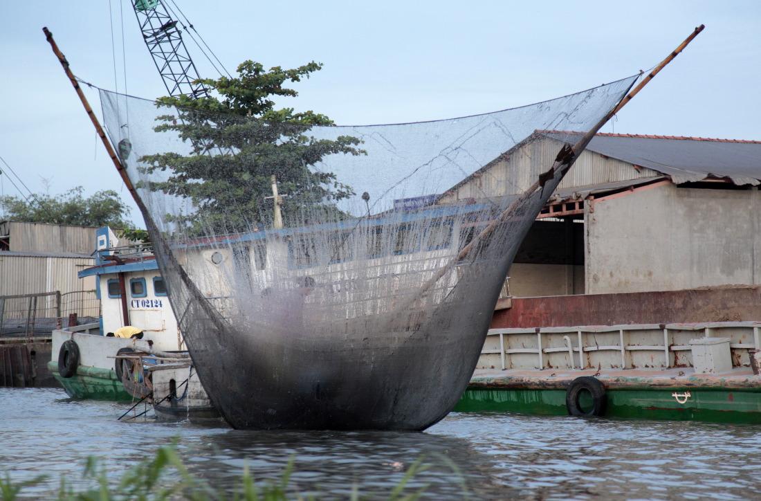 Grands filets sur les rives du Mékong à la sortie de Cantho