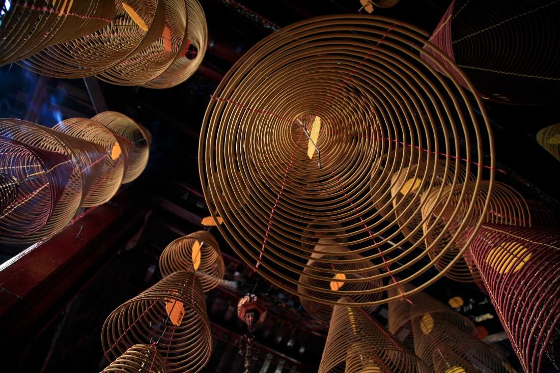 Temple Ong, encore ces hypnotiques cônes d'encens