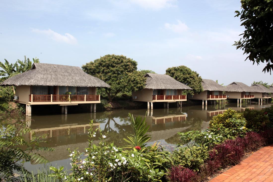 Mekong Riverside Boutique Hotel et Spa, l'arrière des chalets