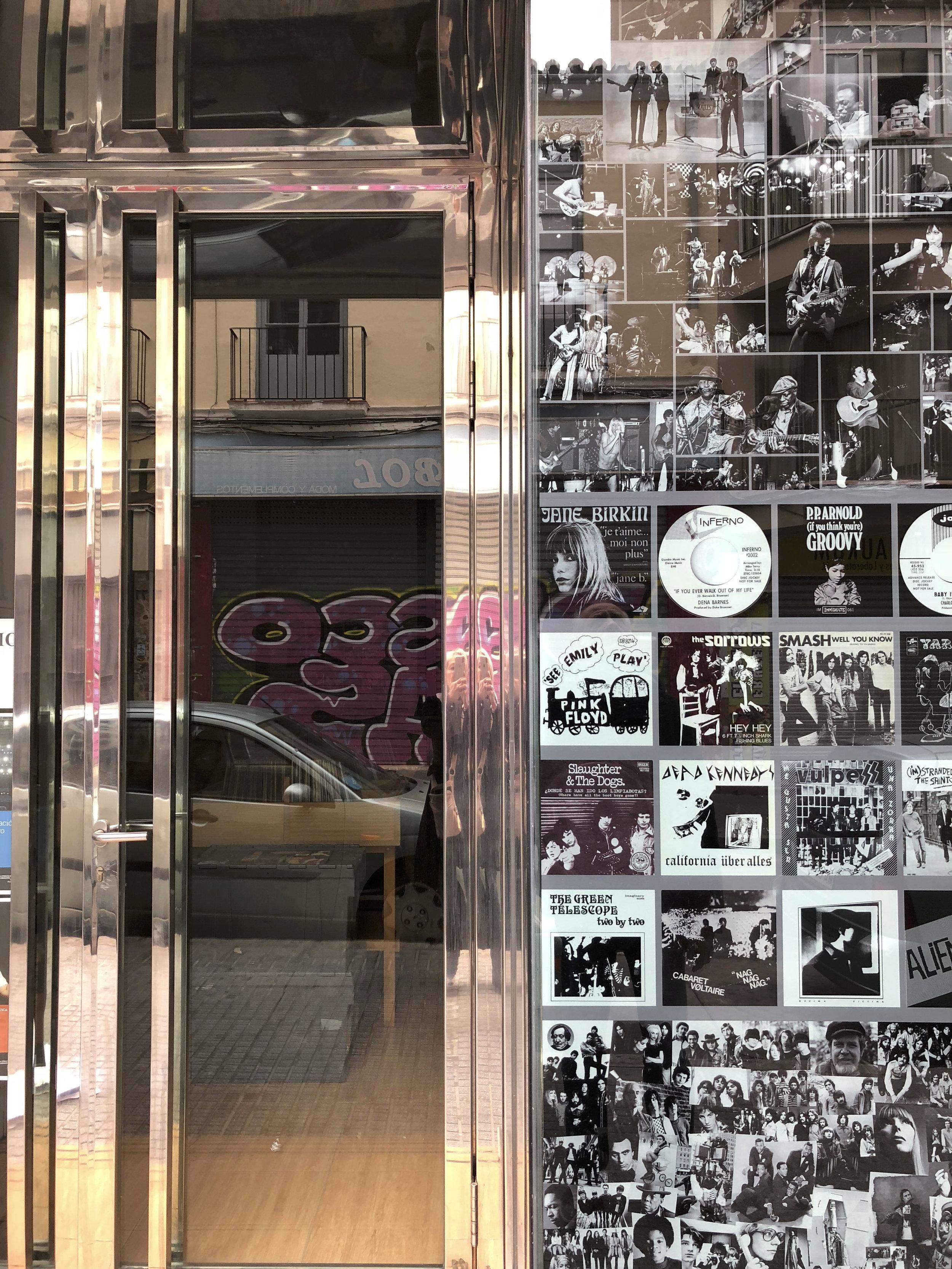 Super belle boutique de vinyles
