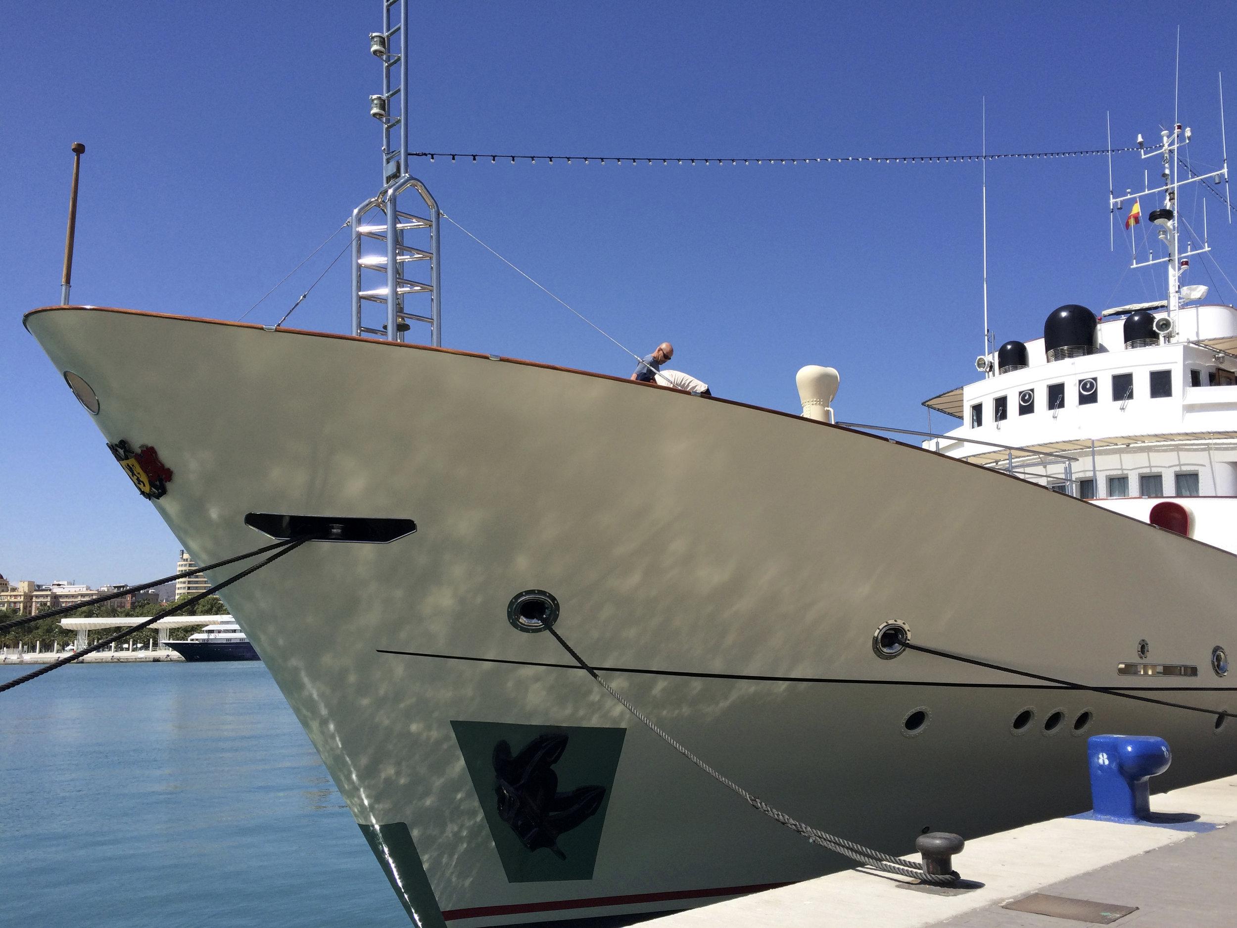 Yacht de luxe à la marina, Muello Uno