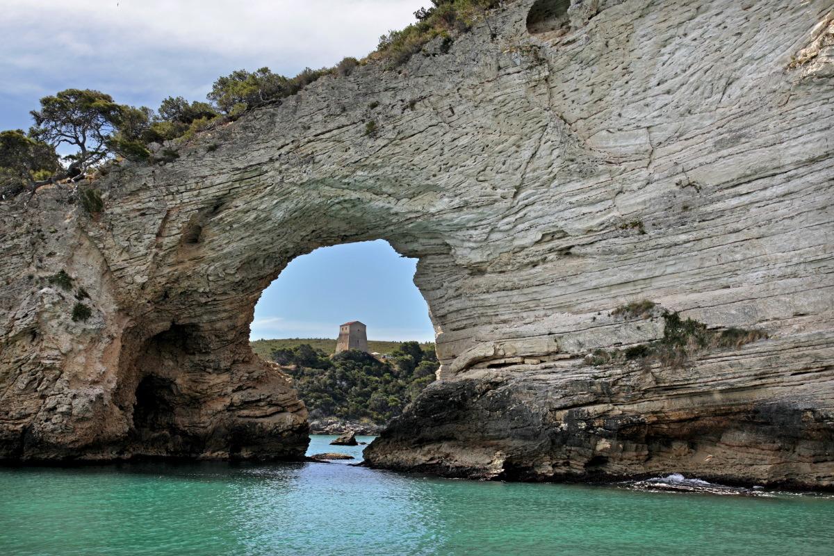 Arco de San Felipe, côte non loin de Vieste