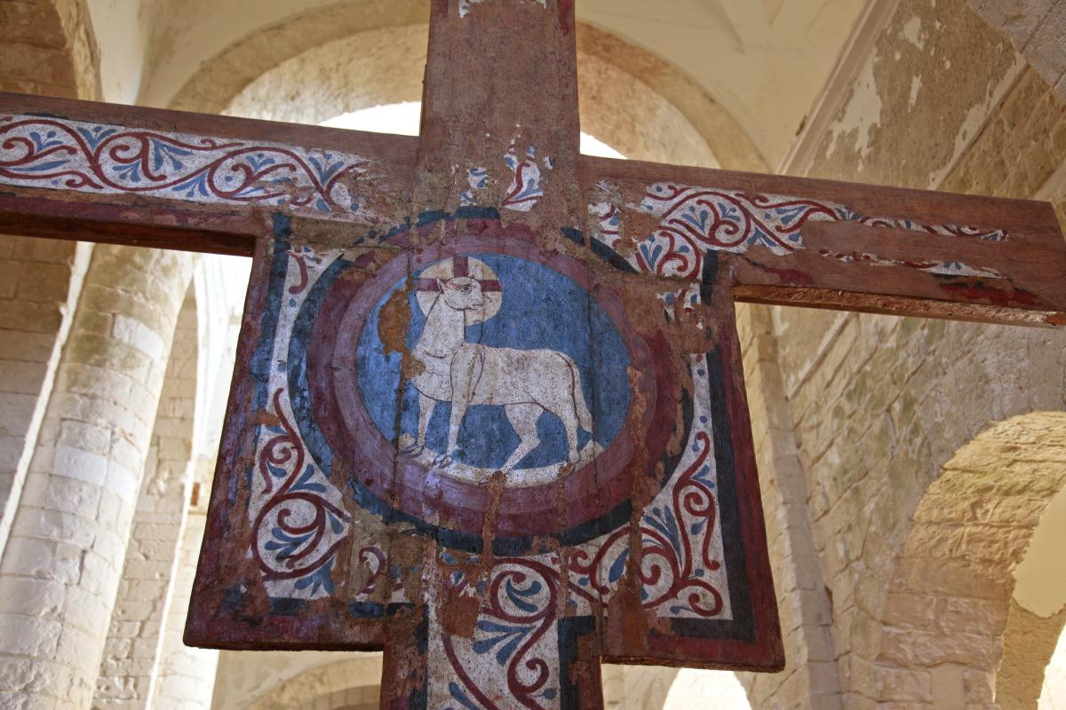 Dans l'église médiévale de Ste Marie de la Mer, San Nicola, Tremiti