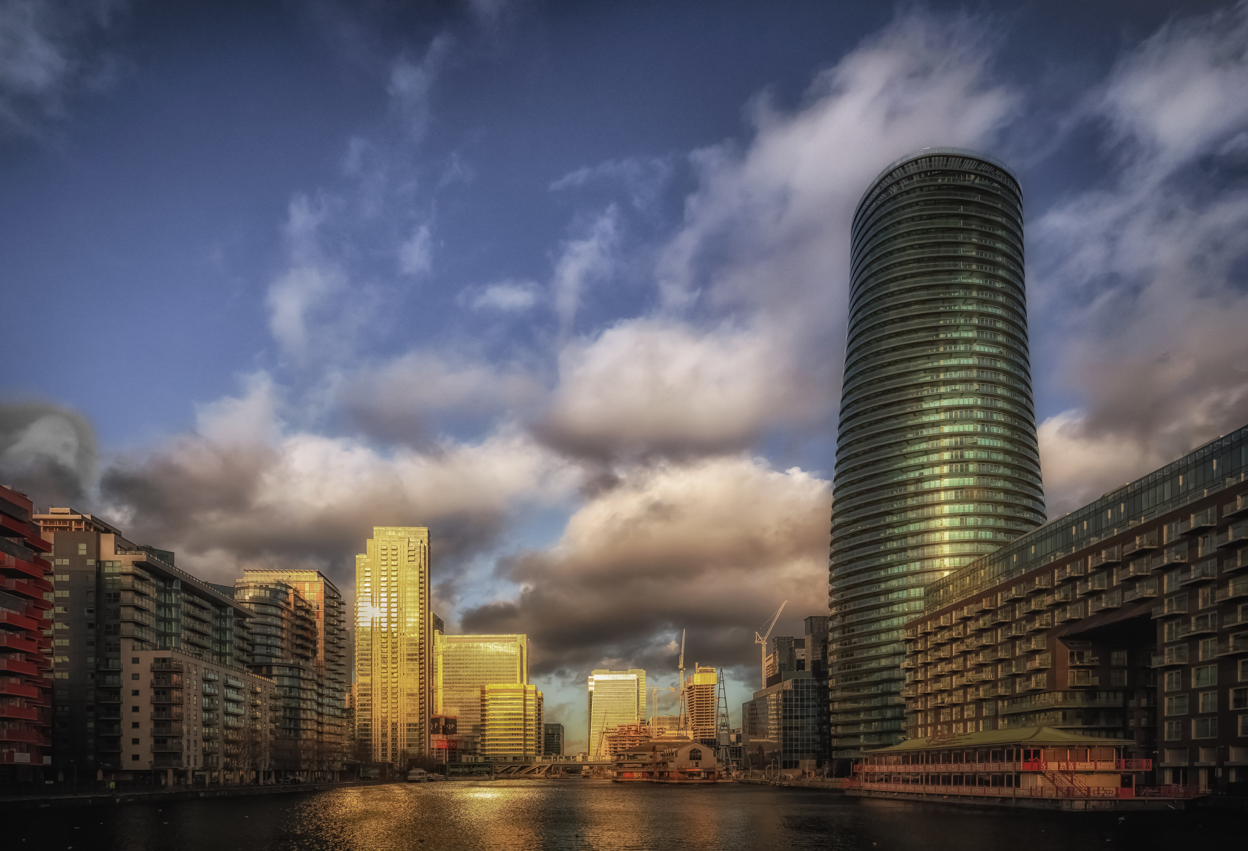 'Millwall Docks Canary Wharf'…     Georgia Salon - Photo Travel Acceptance