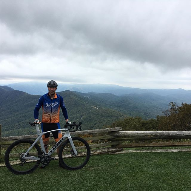 Great to be home and riding in the beautiful #blueridgemountains with @coryfinestriguy Thanks to @blueridgecyclery @rudyprojectna @trekbikes  @pioneercycleusa for helping me get up to the top of @wintergreenresortva #snappletriteam #getfit #climbing #bikes #fall