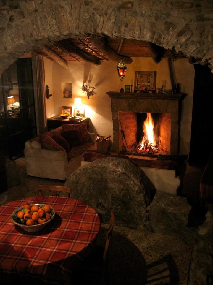 Stone arch and fireplace.jpg