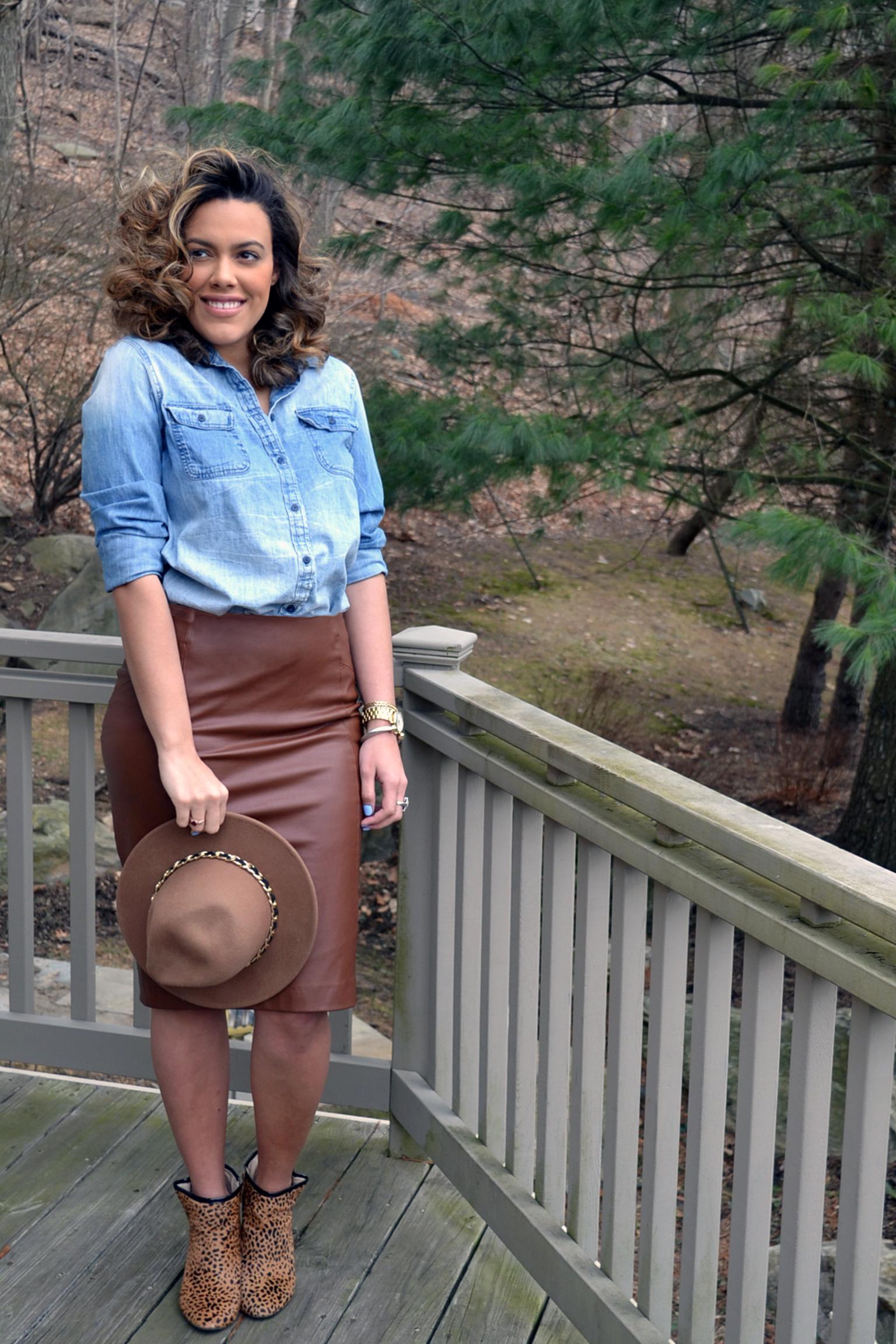 how-i-wear-zara-faux-leather-skirt-and-denim-shirt-shoemint-leopard-booties-4.jpg