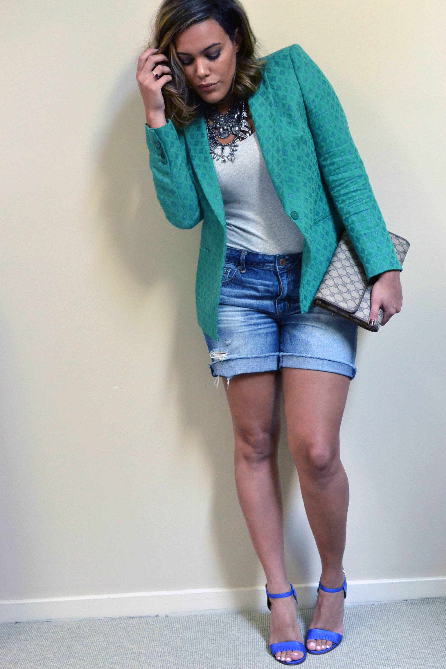 how-to-summer-to-fall-fashion-zara-boyfriend-blazer-vintage-gucci-clutch-distressed-jean-shorts-30-days-of-style.jpg