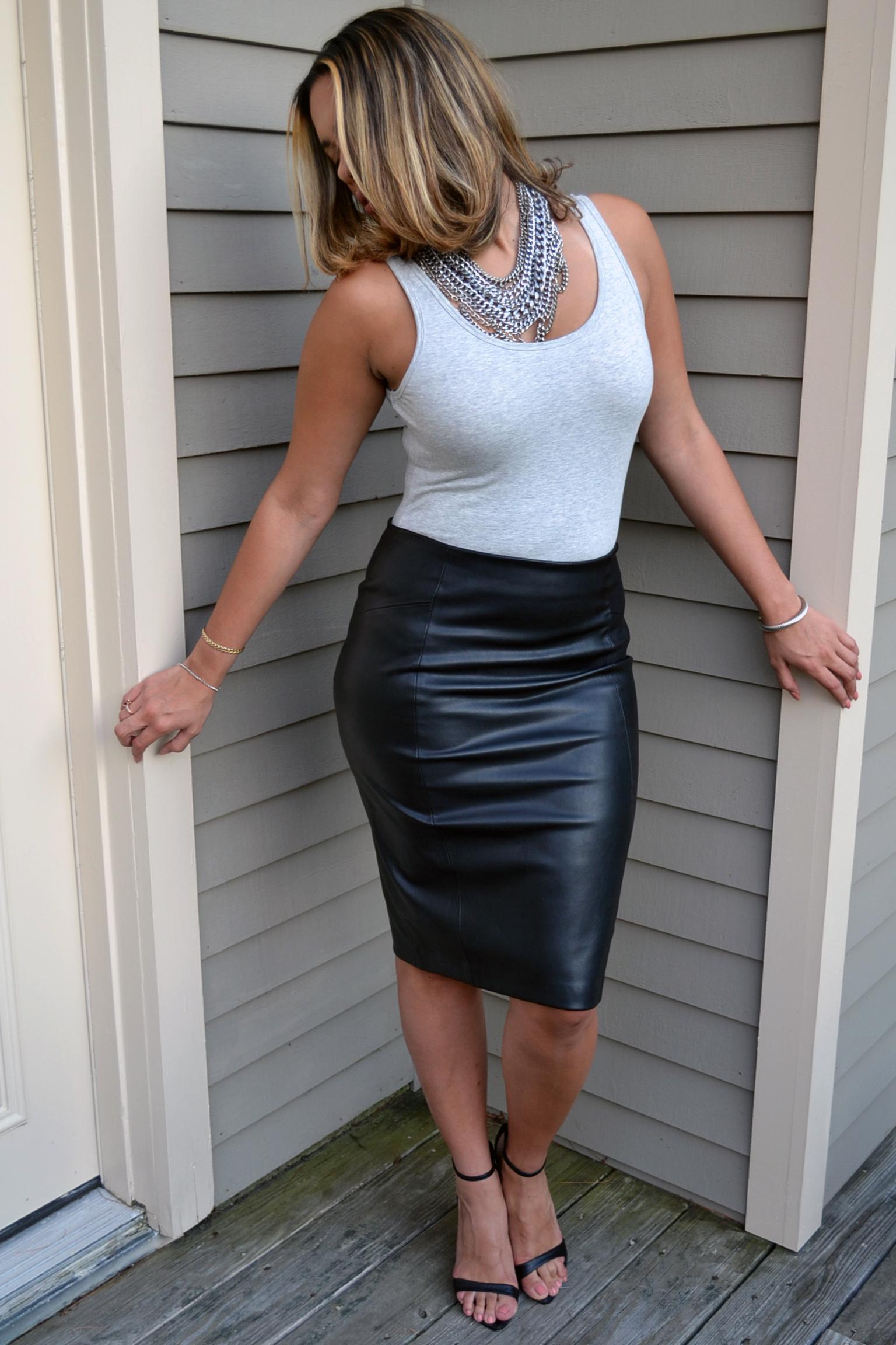 how-to-wear-zara-leather-pencil-skirt-express-bodysuit-baublebar-chainmaille-bib-necklace-black-anklestrap-sandals.jpg