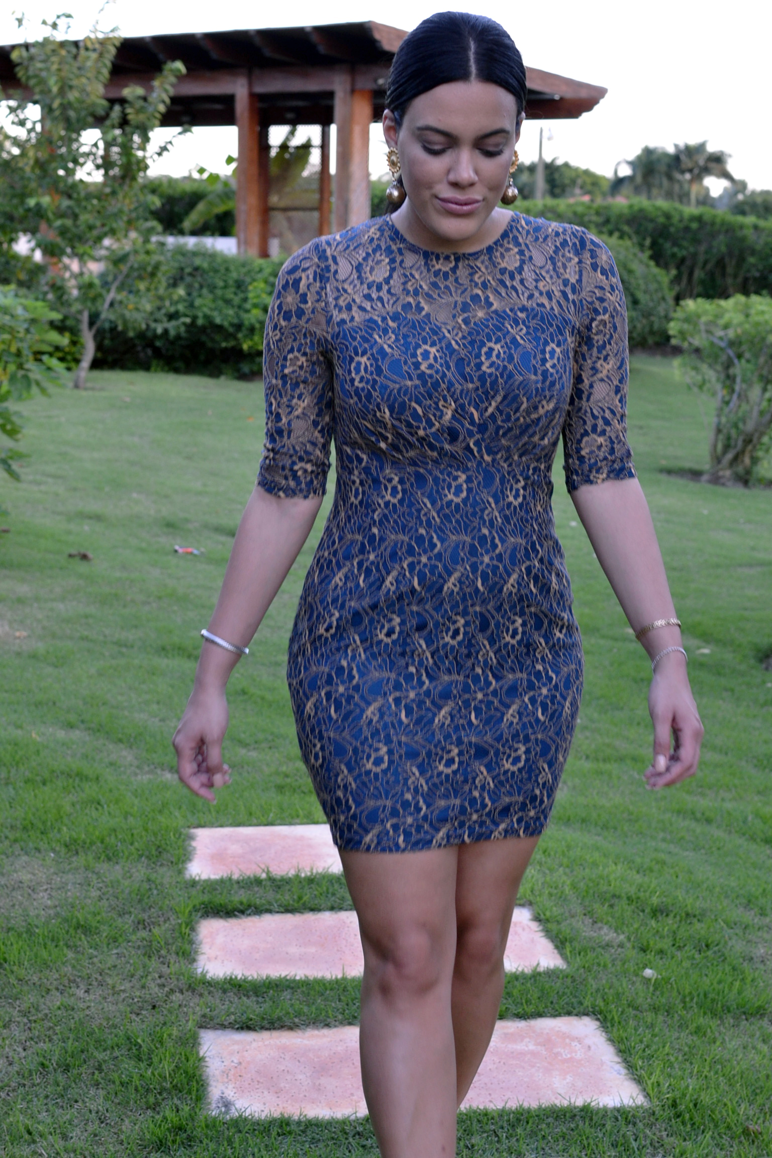 how-to-wear-asos-lace-dress.jpg