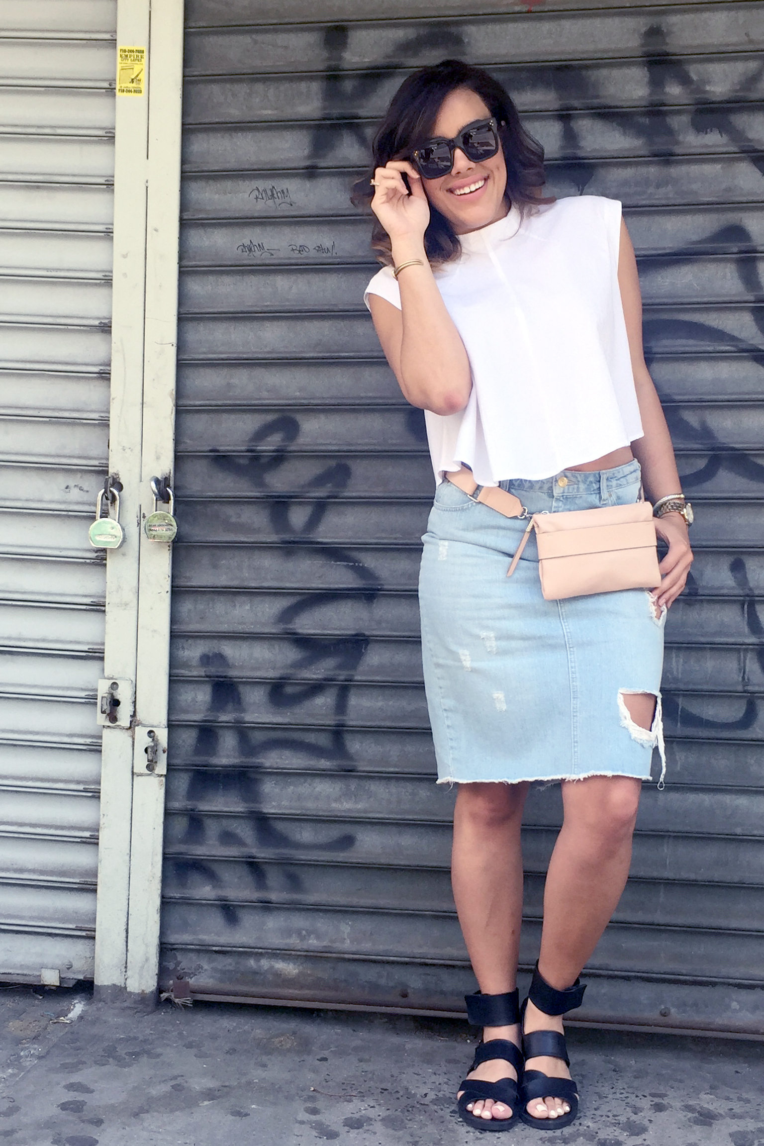how-to-wear-denim-pencil-skirt-cropped-boxy-shirt-fanny-pack-summer-fashion.jpg