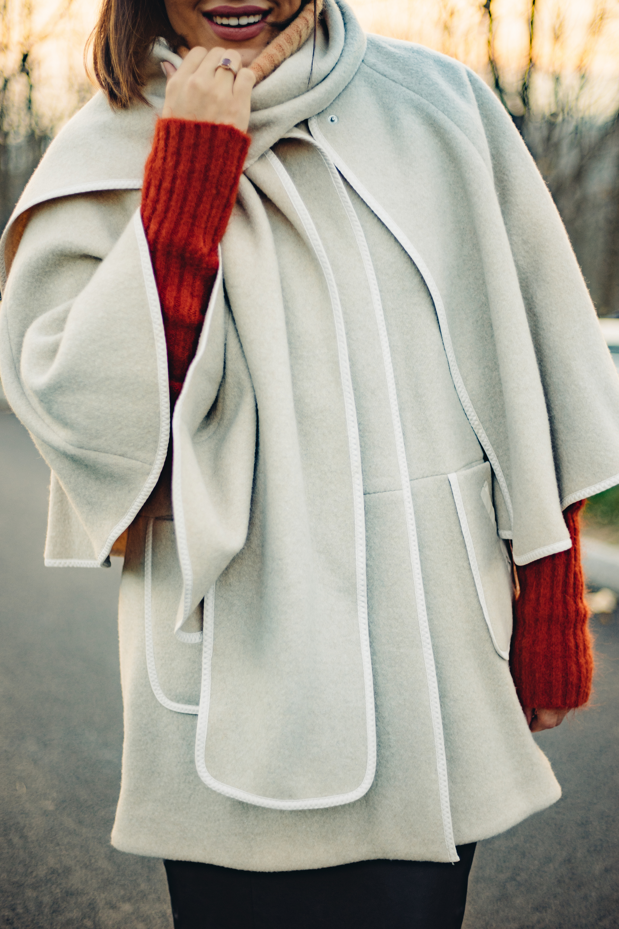 how-to-wear-cape-and-ombre-sweater.jpg
