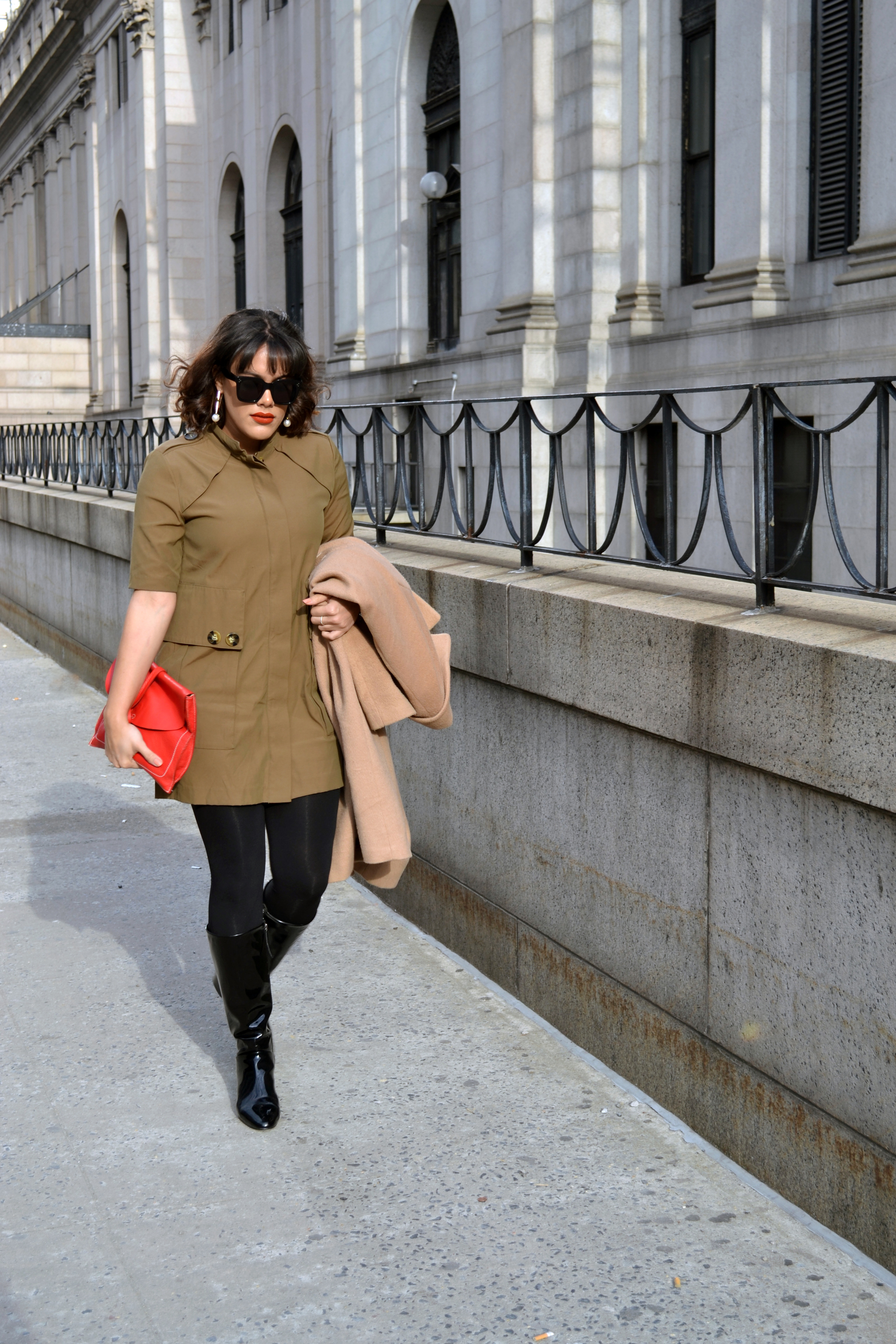 how-to-wear-zara-trench-dress-olive-and-red.jpg