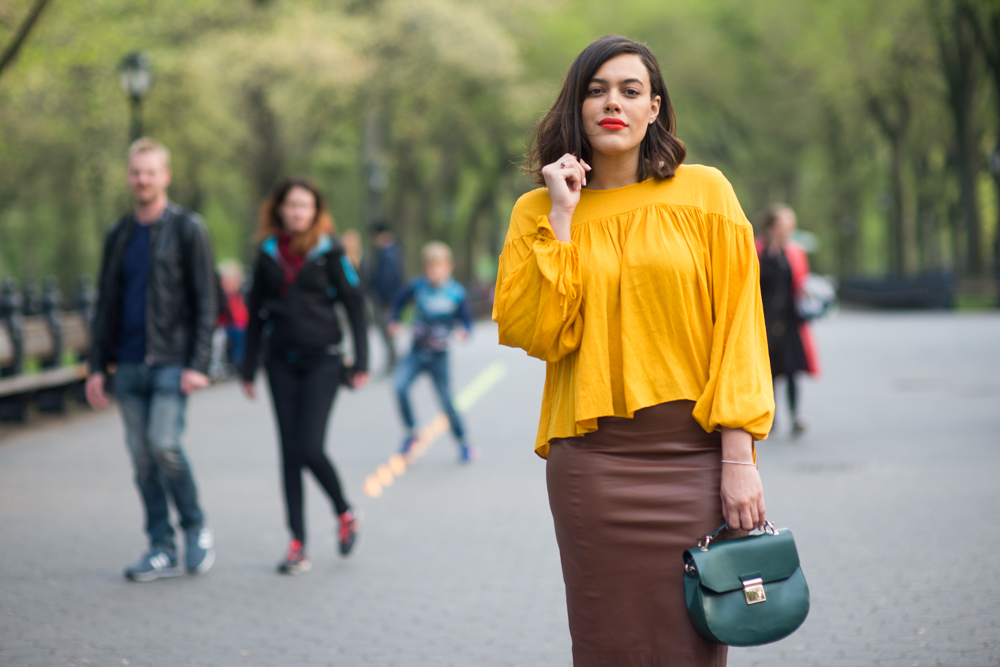 an-outfit-inspired-by-beyonce-yellow-dress-latina-new-york-city-fashion-blogger-style-operator-summer-fashion.jpg