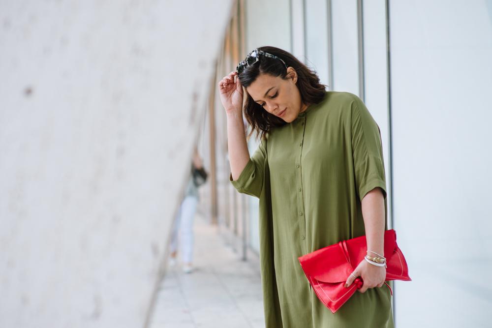 how-to-wear-a-shirtdress-blush-and-olive-green-latina-new-york-city-fashion-blogger-style-operator-summer-fashion.jpg