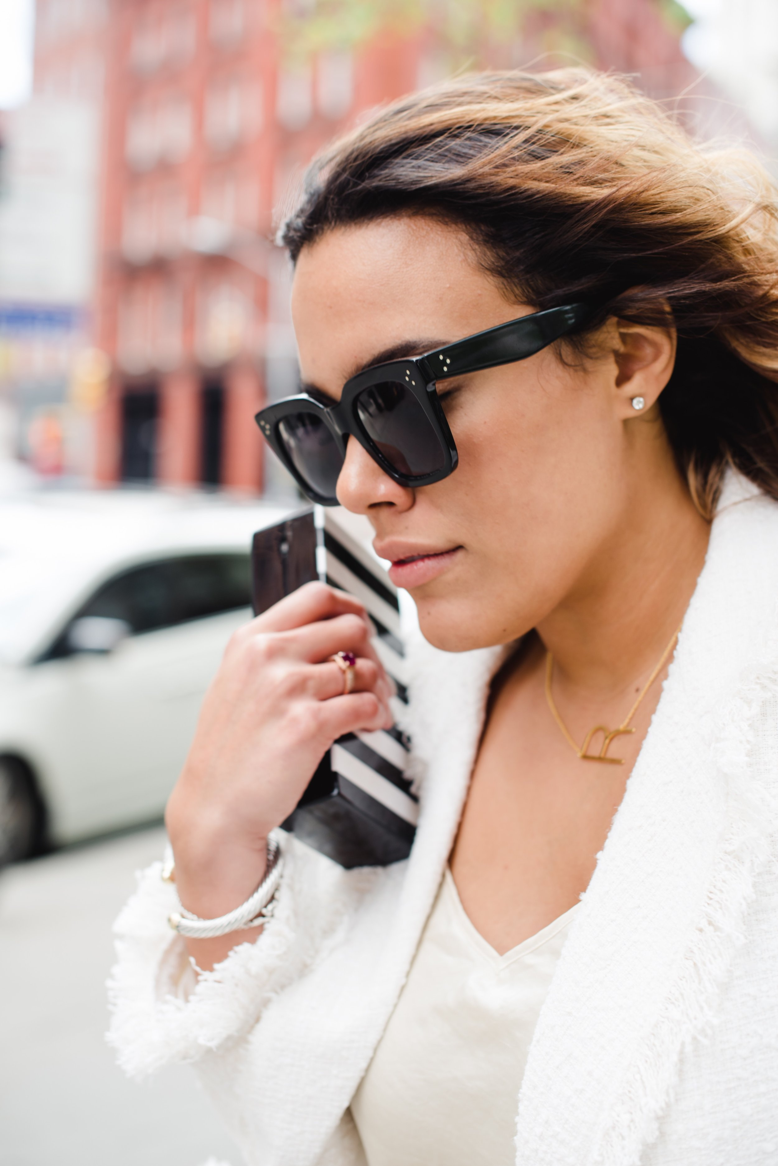 how-to-wear-zara-frayed-jacket-with-pearls-zara-daily-who-what-wear-latina-new-york-city-fashion-blogger-style-operator-summer-fashion.jpg
