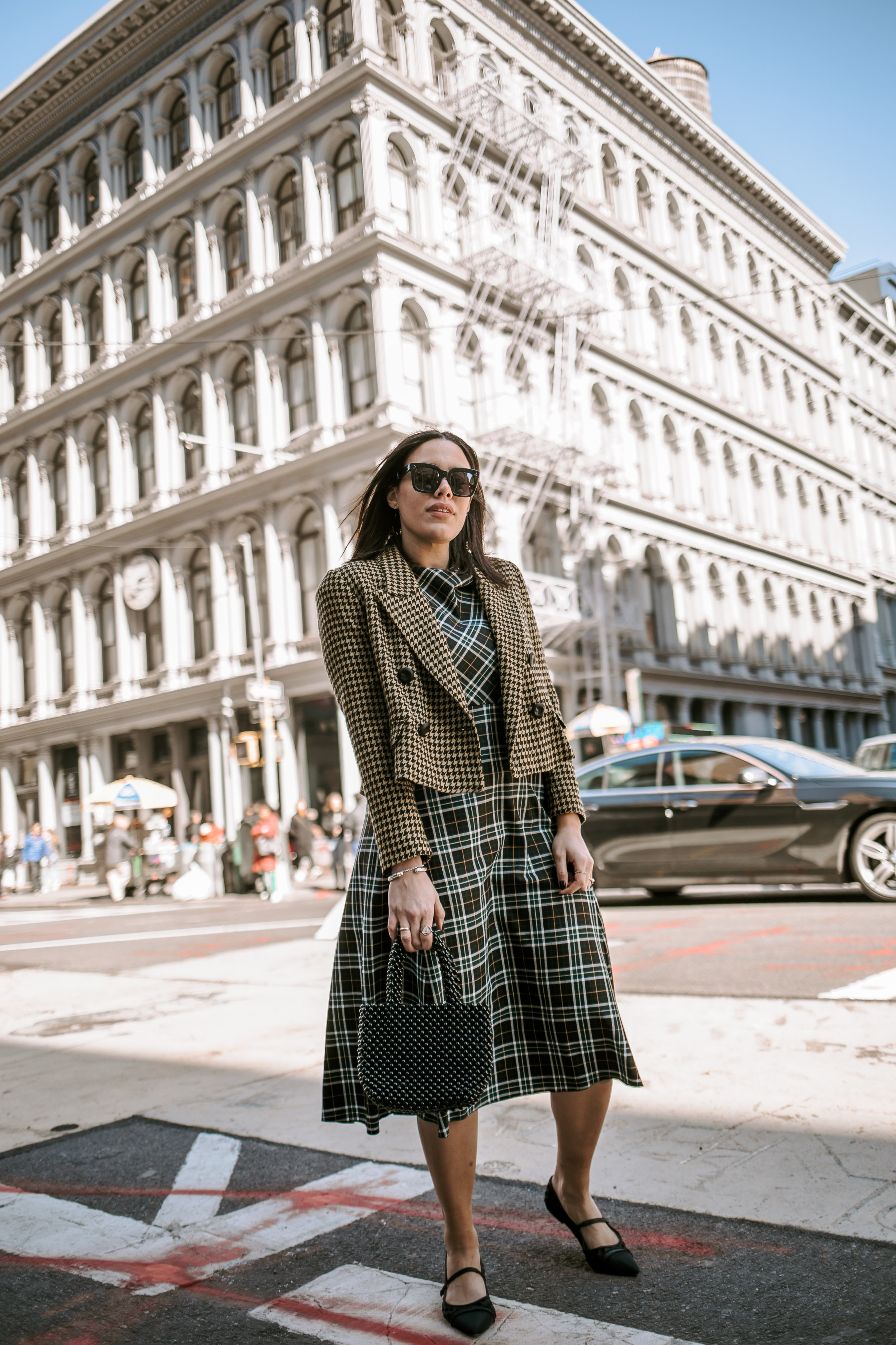 how-to-style-plaid-dress-how-to-mix-and-match-prints-latina-new-york-city-fashion-blogger-style-operator-spring-fashion.jpg