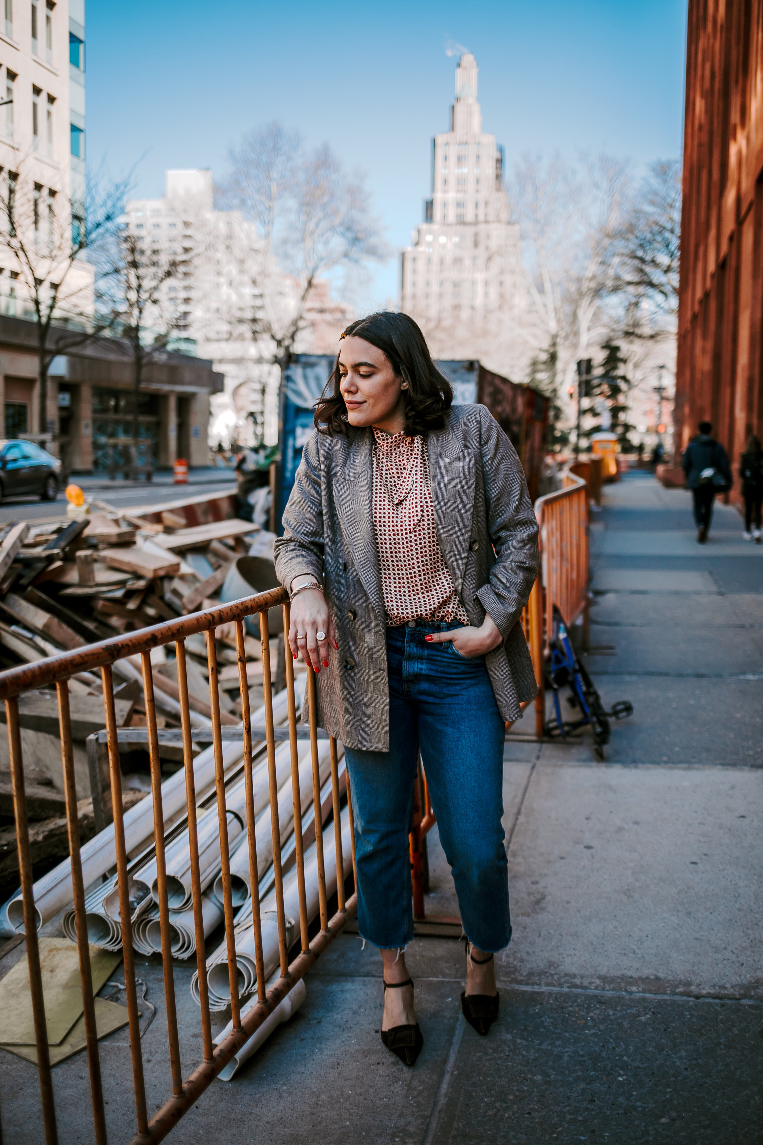how-to-style-business-casual-blazer-and-printed-blouse-how-to-mix-and-match-prints-latina-new-york-city-fashion-blogger-style-operator-spring-fashion.jpg