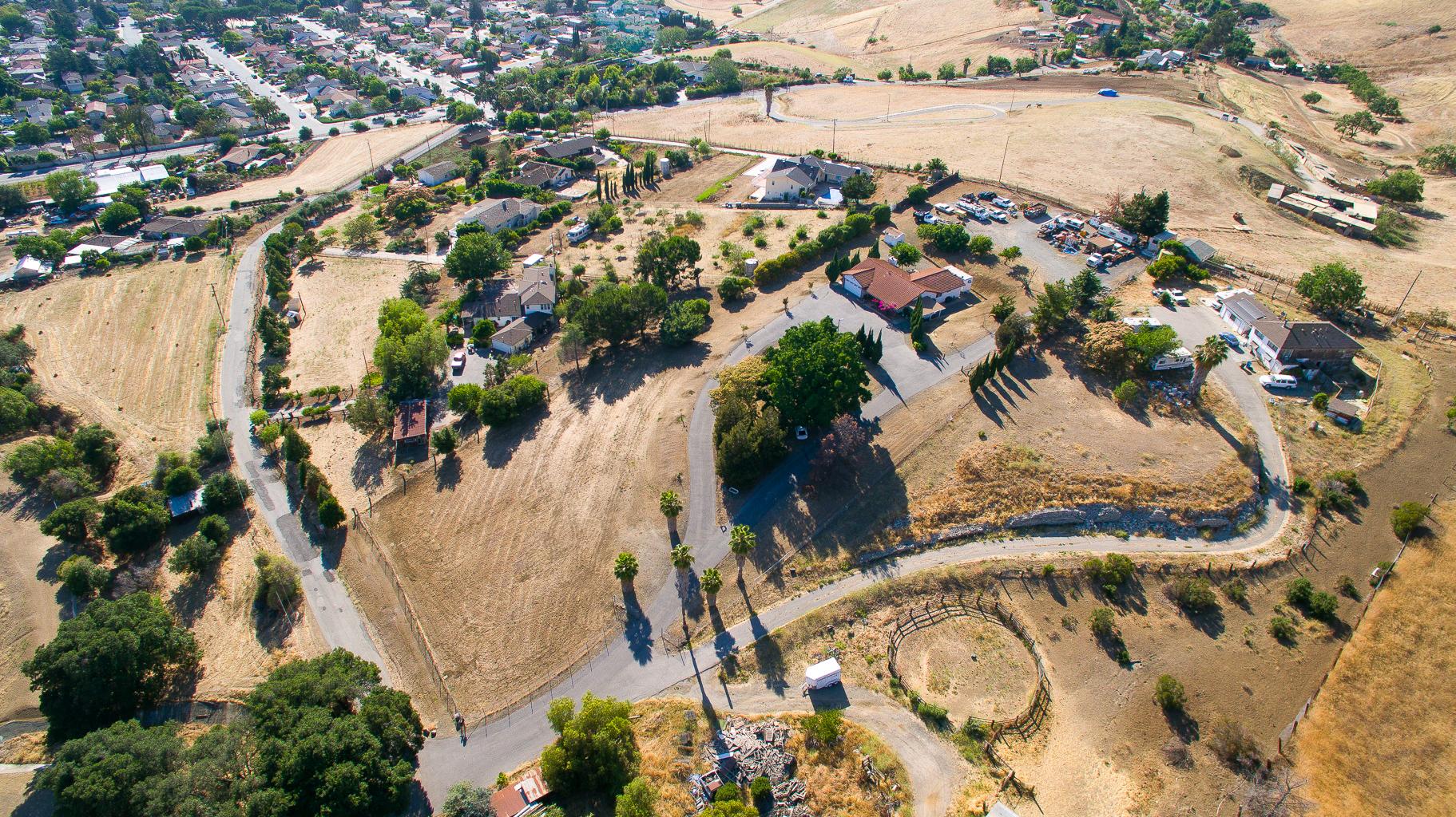 3745 Norwood Ave - Aerial_2.jpg
