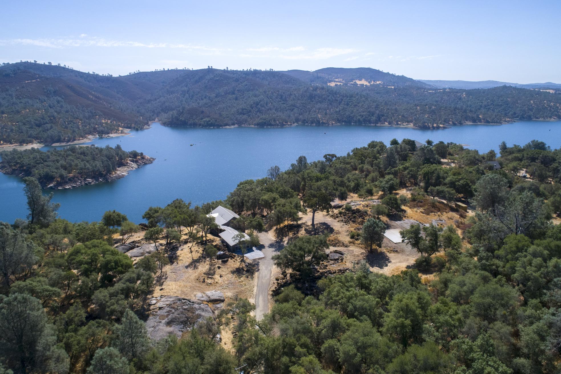 5355 Lake Forest Dr - aerial_4.jpg