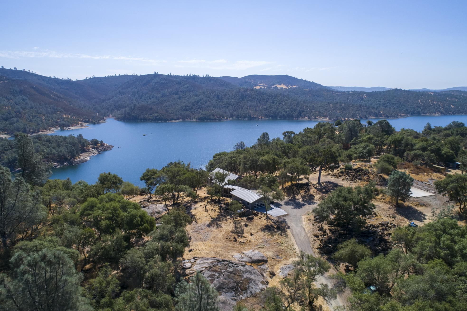 5355 Lake Forest Dr - aerial_6.jpg