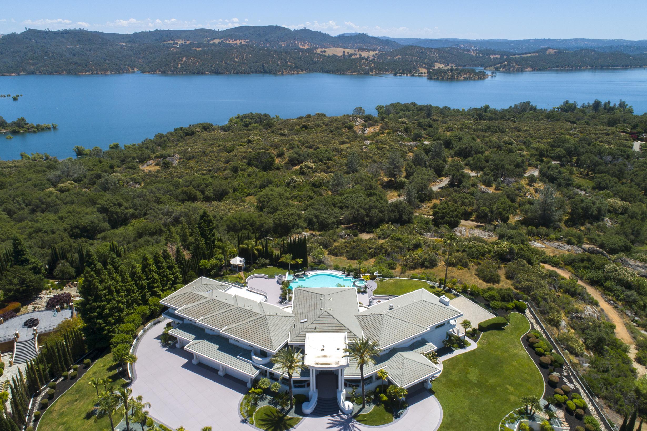 9125 Vista De Lago - Exterior with Pool 14.jpg