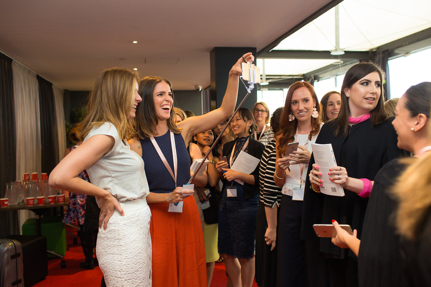 TAKING A SELFIE WITH LISA MESSENGER AT THE MELBOURNE INSPIRATION DAY NOVEMBER 2015