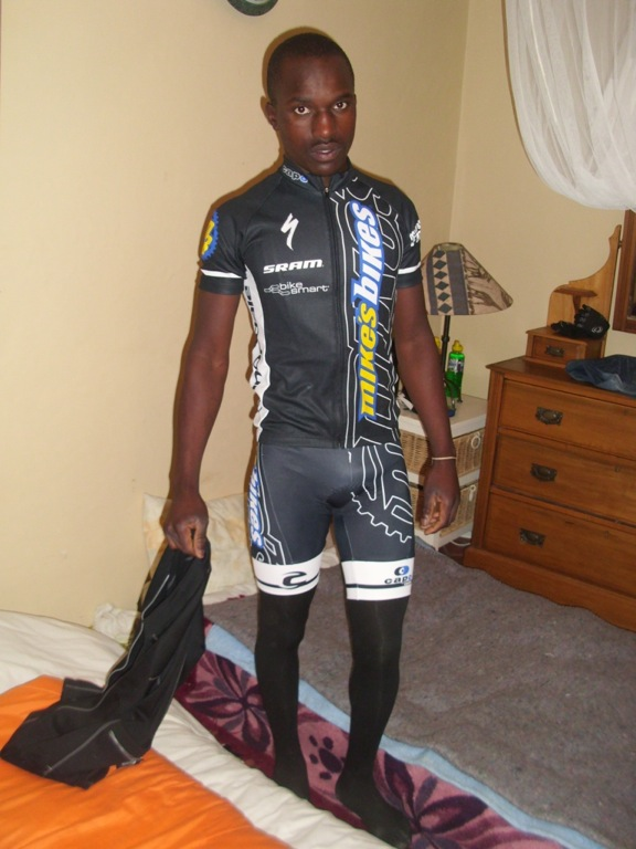 Nkulumo in his new Team Mike's Bikes kit hours before placing third in the Zimbabwe Nationals.