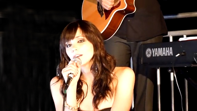 katherine mcphee singing 'over the rainbow' at genlux issue release party at the luxe hotel rodoe drive rooftop